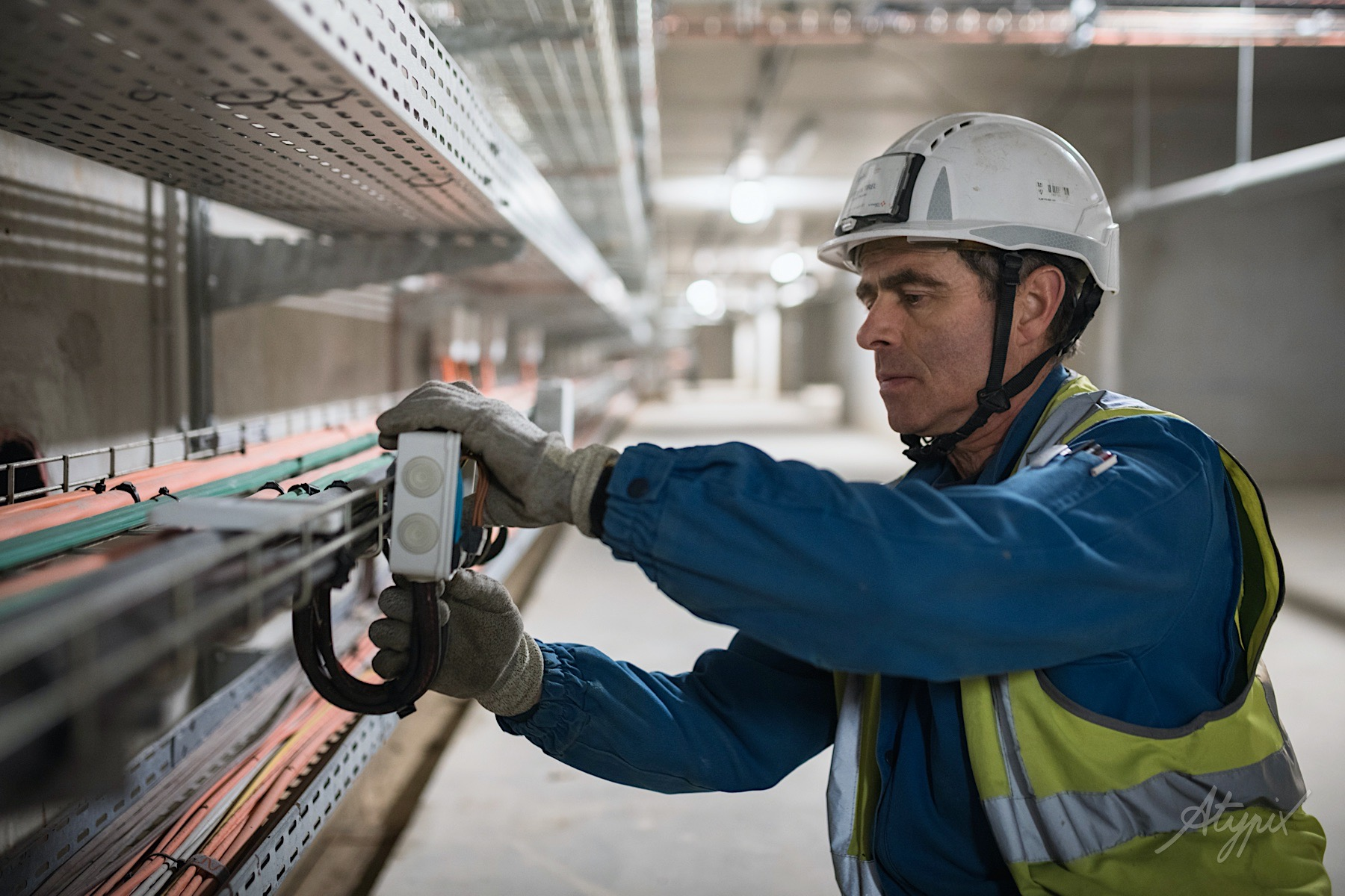 chantier travaux métro électricité