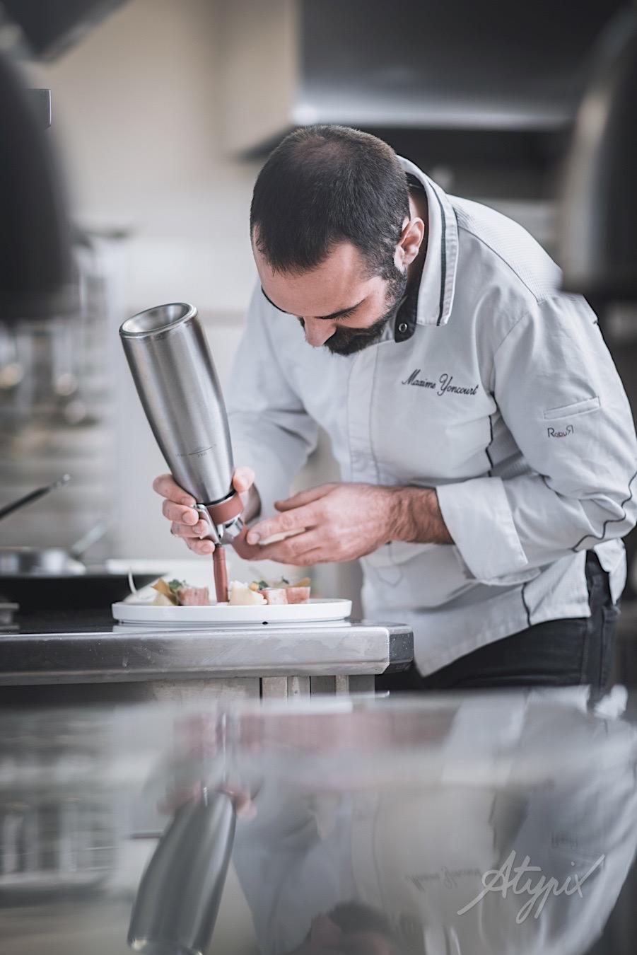 cuisinier plat restaurant cuisine